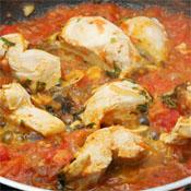 Pollo En Salsa De Tomate